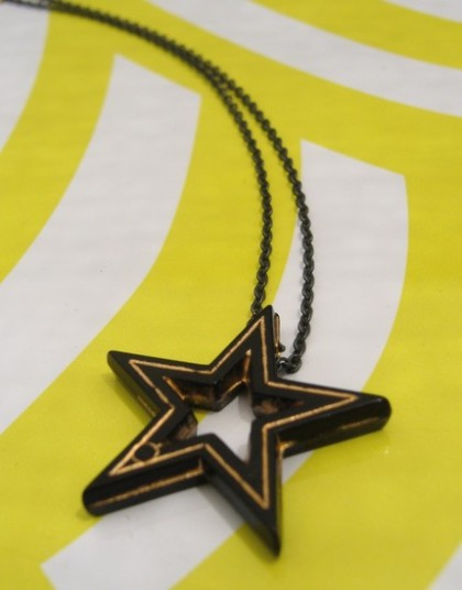 star necklace by Minno